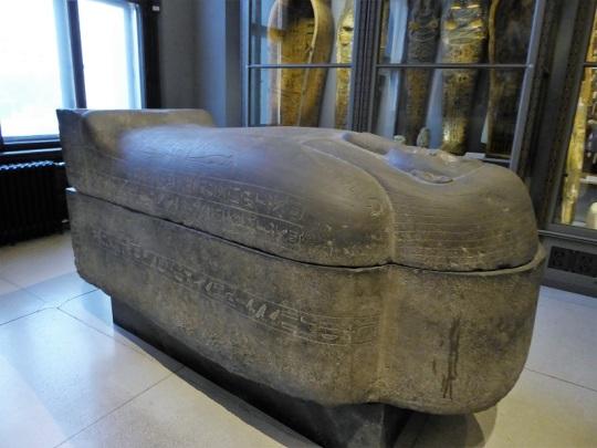 202. Museo de Bellas Artes. Sarcófago de Padepep. VII a. C.