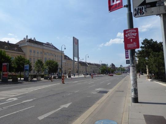 204. Museumplatz