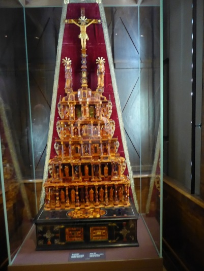 272. Schatzkammer. Altar de ámbar. Alemania del Norte.1640-1645