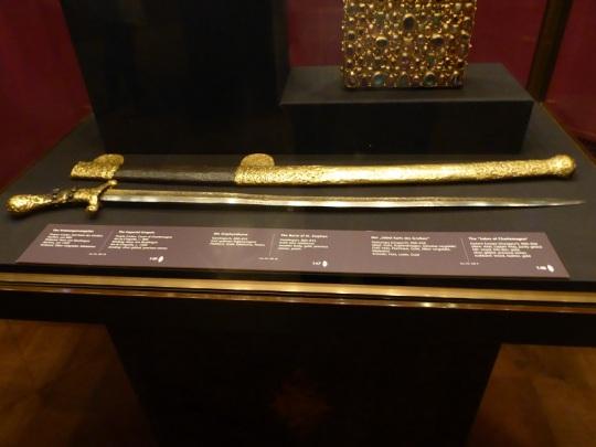 283. Schatzkammer. Sable de Carlomagno. Hungría. 900-950