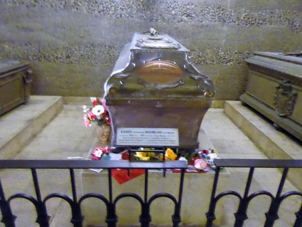 310. Cripta de los Capuchnos. Tumba de Maximiliano de Méjico