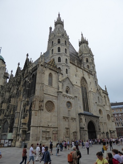 330. Catedral