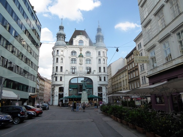 568. Plaza Gütenberg