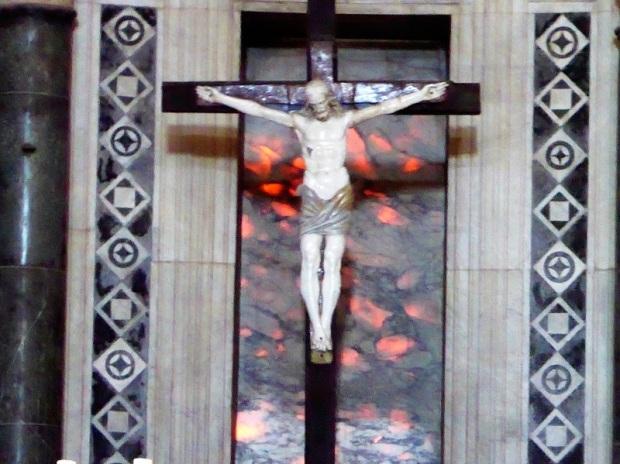 7. Crucifijo 2