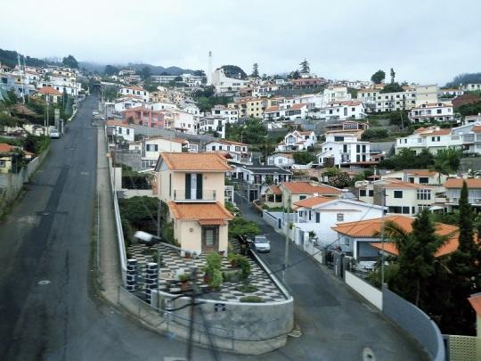 13. Del aeropuerto a Funchal