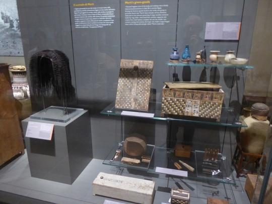 130. Museo Egipcio. Equipaje de Merit. XVIII dinastía. Deir el-Medina