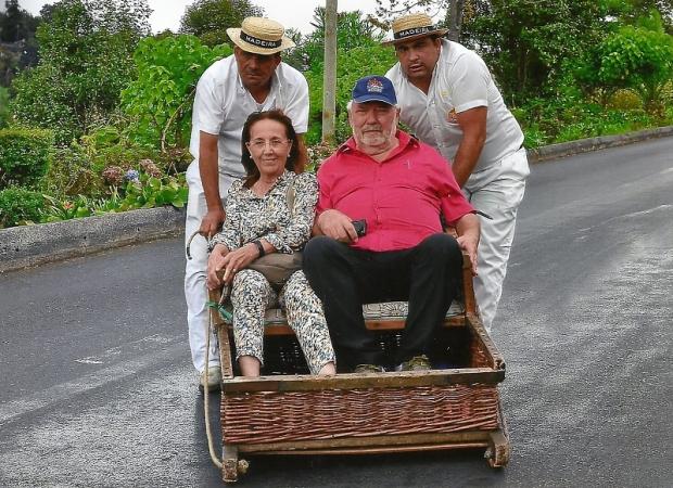157. Funchal. Carros de cesto