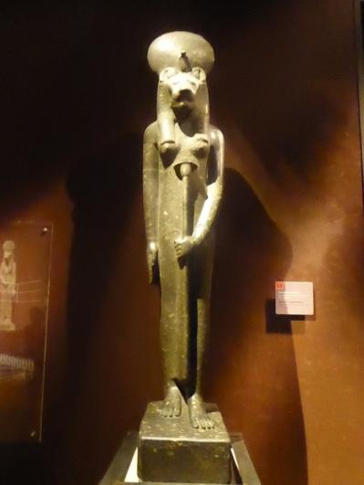 169. Museo Egipcio. Estatua de la diosa Sekhmet. Imperio nuevo. XVIII dinastía. 1390-1353 a. C.