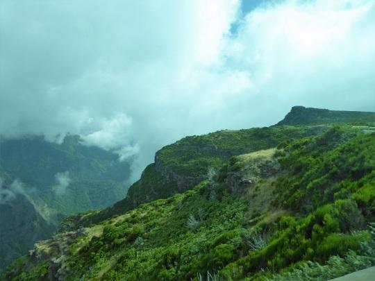 247. Bajando del pico de Arieiro