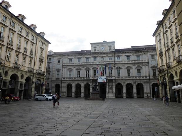 27. Piazza Palazzo di Città