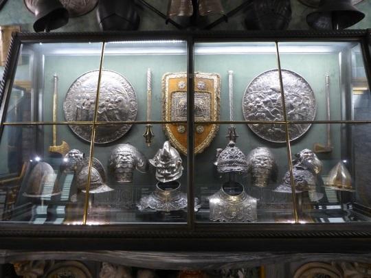 315. Palacio Real. Armería
