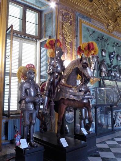 317. Palacio Real. Armería