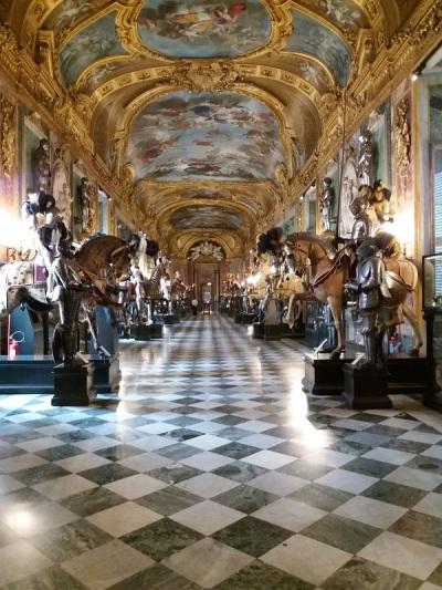 321. Palacio Real. Armería