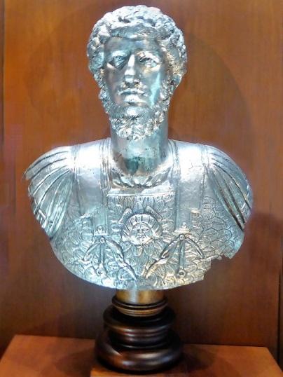 352. Palacio Real. Museo Arqueológico. Busto de Lucio Vero (161-169)