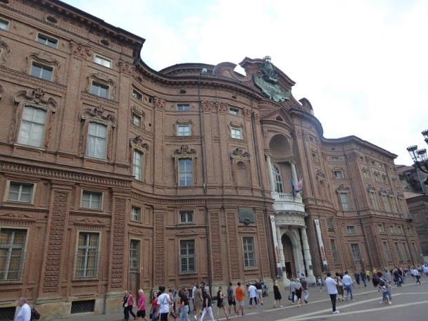 378. Palacio Carignano