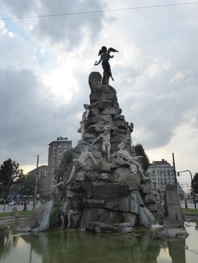 385. Plaza Statuto