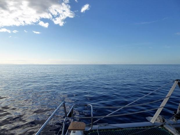 440. En el catamarán