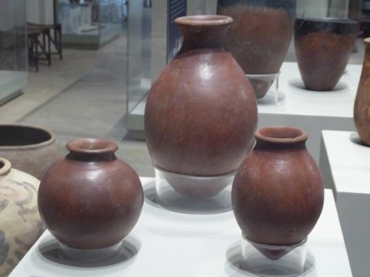 57. Museo Egipcio. Recipientes para cerveza. Época predinástica. 3900-3300 a. C.