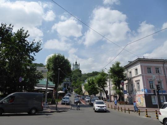 371. Calle Pedro Sahaidachnoho. Arriba San Andrés