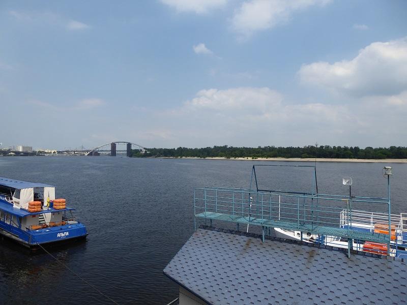 384. Puerto fluvial